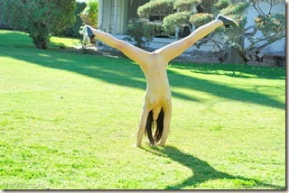 amateur-nude-cartwheels-04